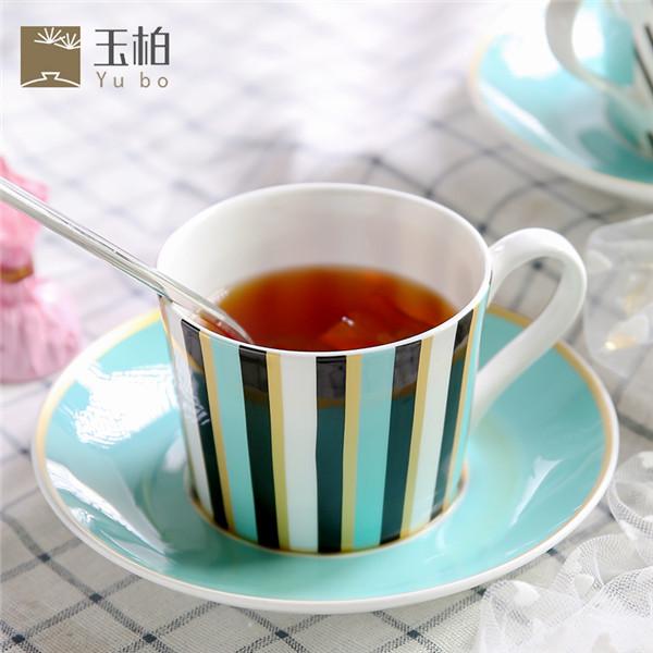蓝咖啡杯几何